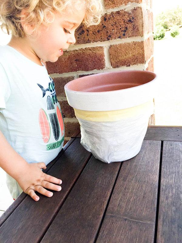 Flamingo-Pot-Stand-DIY-5