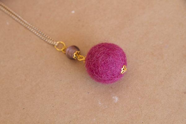 Clever-Patch-Felt-Necklace-2