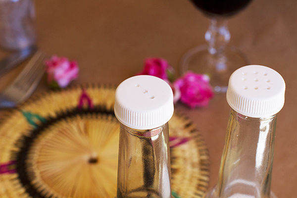 Salt-and-Pepper-Shaker-DIY-11